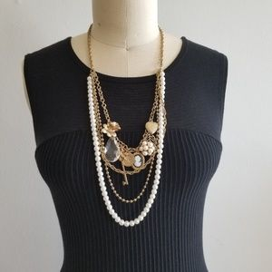 Jewelry - Gold and pearl charm necklace ADD ON